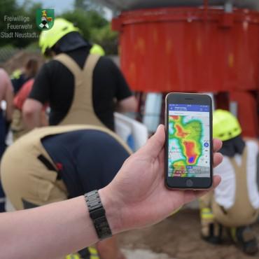Hand in Hand – Feuerwehr und THW üben Hochwasserschutz (07.06.2019)