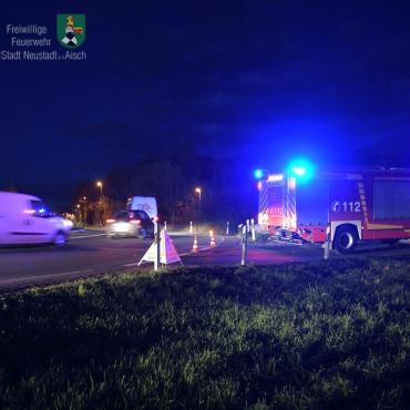 Verkehrslenkung nach Unfall (18.11.2019 um 16:44 Uhr)