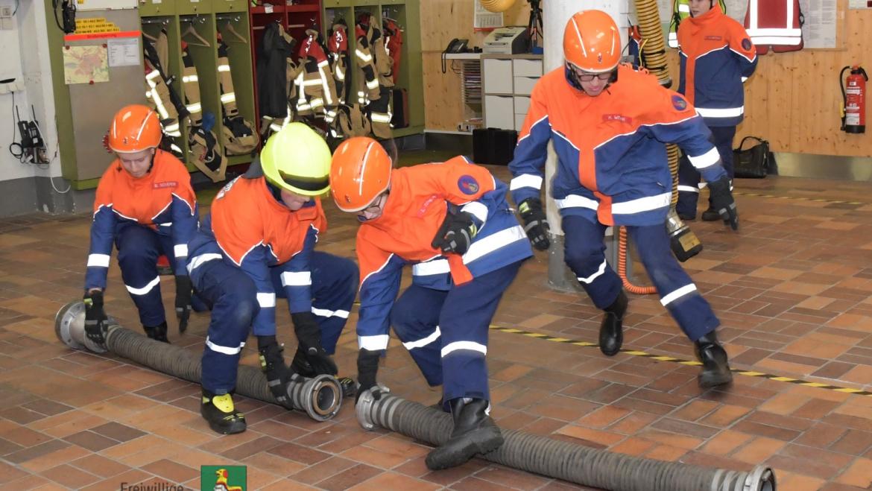 Neustadts Feuerwehrjugend beweist ihr Können