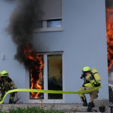 Rauch aus Gebäude (29.07.2021, 13:35 Uhr)